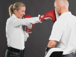 Susanne und Christian mit Boxhandschuhen